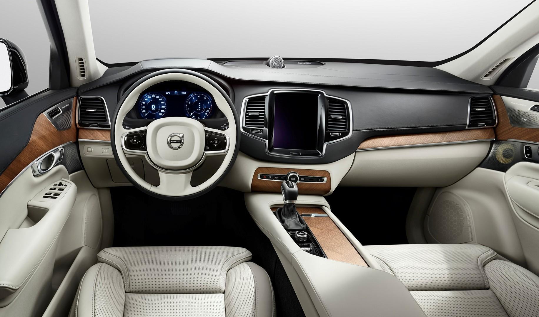 Опубликованы первые изображения интерьера нового Volvo XC90