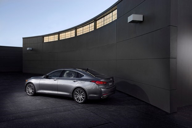 Названа дата начала продаж Hyundai Genesis