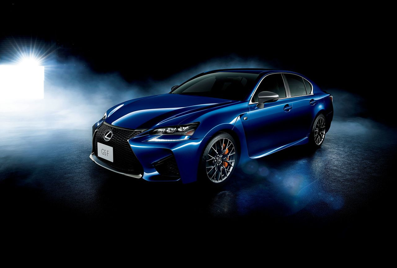Обновленный Lexus  GS  седан и кроссовер RX