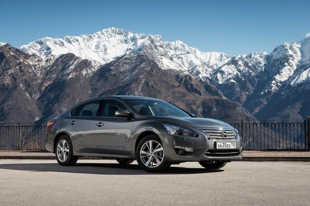 Nissan везет в Россию новую Teana